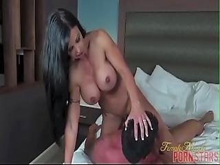 Female Muscle Porn Star Jewels Jade Getting Fucked