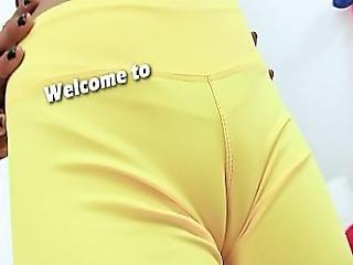 Just 19yr Sport Slut Cameltoe Round Ass Natural Teen Boobs