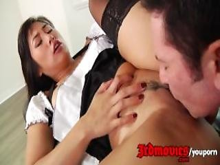 The Gorgeous Mia Li Shows Her Skills