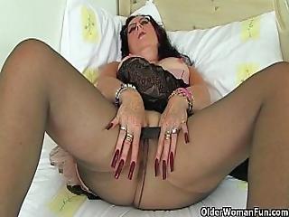 Britain S Sexiest Milfs Part 30