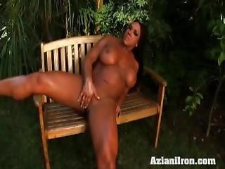 Sexy Bulky Amber Strips Down And Rubs Her Big Clit