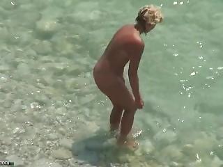 любитель, пляж