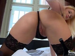 Teasing Blonde Gets What She Wants