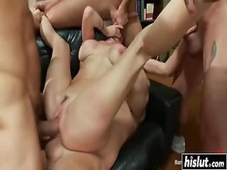 Beautiful Babe In Stockings Enjoys Some Anal