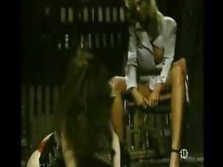 блондинка, брюнетка, грудастая, фаллоимитатор, аппликатура, прокат, лизать, мамаша, киска, секс, обрезается