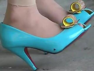 David From Dates25.com - Candid Asian Shoeplay In Blue High Heels And Nylons