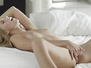 Perfect Erotic Movie Of Teenie Woman