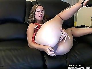 Hot Teen Showing Off In Webcam - Episode 129