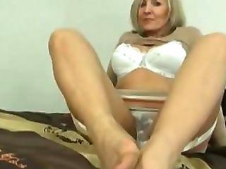 Blonde mature pussy wet
