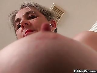 America S Sexiest Milfs Part 1