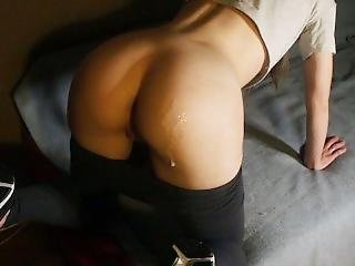 Sporty Girl In Yoga Pants And Sneakers Sucks And Fucks,cumshot On Ass