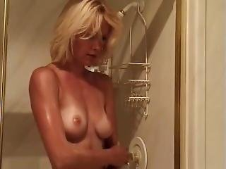 Beverly Lynne Nude (only Boobs Scene)