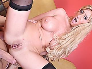 anal, arsch, blondine, blasen, vollbusig, frech, cream, creampie, ladung, kehlenfick, schwanz, doggystyle, fingern, riesiger schwanz, unterwäsche, milf, strumpf