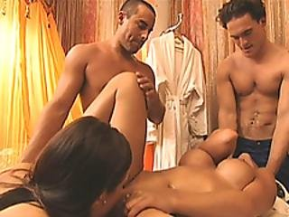 Four Humans Receive Massage And Oral Sex With 2 Masseuses