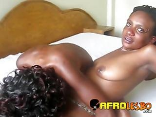 afrikanisch, amateur, schlafzimmer, schwarz, fingern, küssen, lesbisch, schambehaarung, muffdiving, muschi, sex