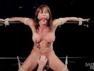 Ariel X - Bound and Squirting