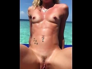 Amatør, Kunst, Babe, Blond, Sædshot, Tissemand, Model, Pornostjerne, Pov, Realitiet, Sex, Sex Film, Teen, Ferie