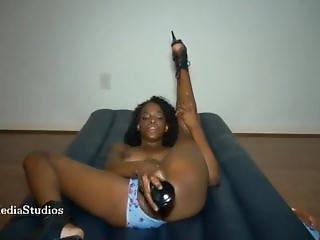Hot Ebony Babe Dildos Herself