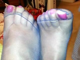Pantyhosed Foot Tease