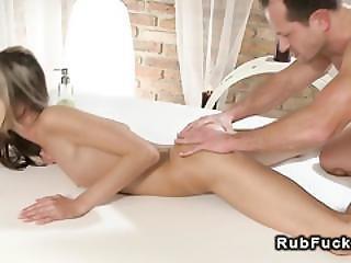 Masseur Fucks Babe With Perfect Ass Till Cumshot