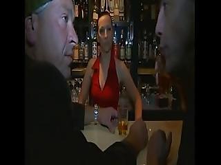 Barkeeperin Lasst Sich Von Zwei Fremden Typen Ficken - German