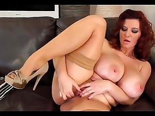 Big Tits Euro Babe Masturbates