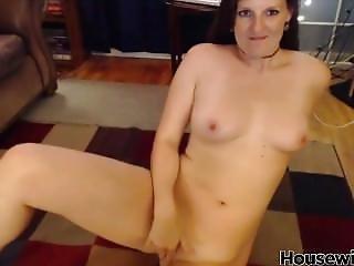 Leggy Red Hair Housewife Nice Tits