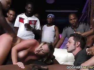 Banging, Bite, Gangbang, Interracial, Star Du Porno, Publique
