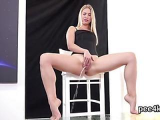 Ravishing Teenie Is Peeing And Masturbating Smooth Crack