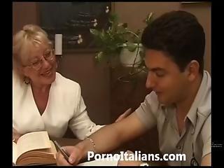 Mature Granny Italian - Nonna Vogliosa Di Cazzo Duro