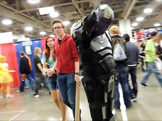 Comic Con Mondage Cosplay