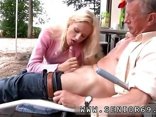 Romantic Blowjob And Young Blonde Couple Richard Suggests Helen To Tidy