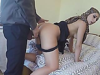 Shameless Arab Babe Sells Pussy To Stranger With Cash