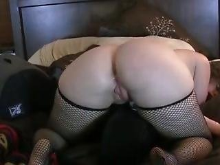 Pawg Fucks Her Big White Ass While Using Vibrator