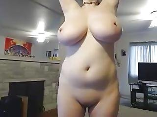Girl Wit Huge Tits 3