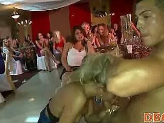 Arte, Bear, Cfnm, Bailar, Pene, Club Nocturno, Orgía, Fiesta