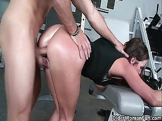 Fitness Milf Sky Taylor Opens Her Mouth For Cum
