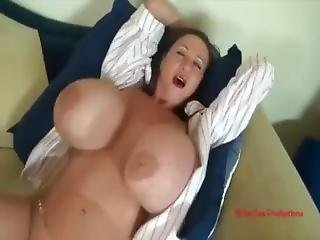 Lunchtime Quickie With Casey