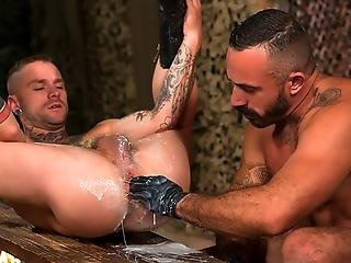Cylus Bends Over Offers Furry Latino Alessio His Boy Butt
