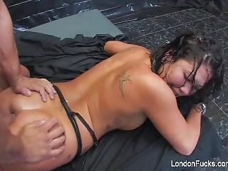 London Keyes Has A Hardcore Anal Threesome