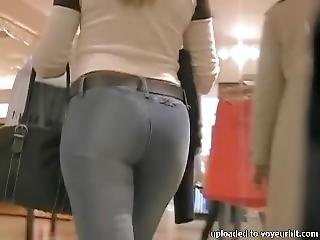 Candid Milf Ass In Jeans Shopping