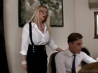 luder, gross titte, blasen, doppelte penetration, eindringen, pornostar, öffentlich, dreier, jung