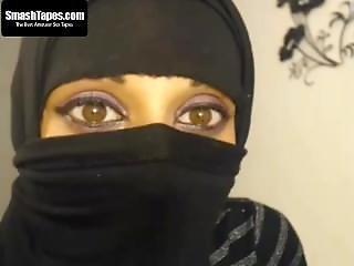 Muslim Chick Munira