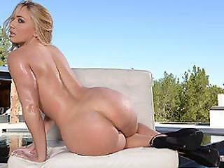 Beautiful Blonde Aj Got Her Pretty Face Squirted By A Creamy Jizz