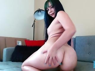 Buttplug And Bootyshaking