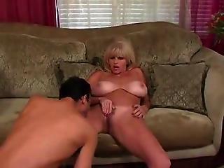 Μεγάλο βυζί στο σεξ
