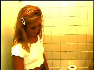 Slutty School Girls Loves That Dick In The Bathroom
