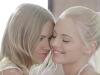 Babe, Dormitorio, Rubia, Adorable, Desde Europa, Innocente, Lesbianas, Adolescente Lesbiana, Lamer, Pequeña, Sexo, Flaca, Adolescente, Blanco, Joven