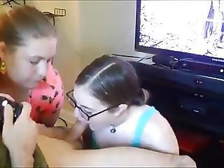 Amateur Friends Suck And Swallow A Gamer Geek Sperm