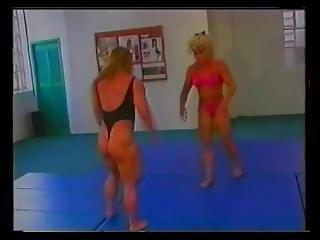 milf sripped nude in public